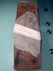 Il Primo (legno antico, ardesia antica, spago)